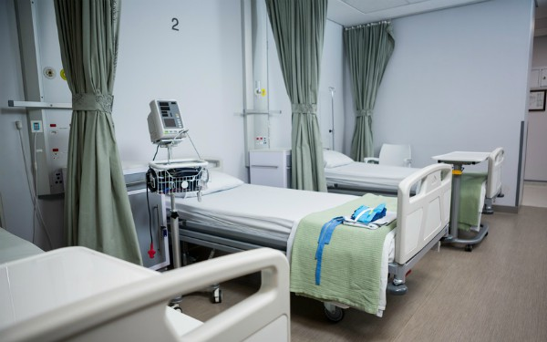 How to Pick the Size of Hospital Bed for Home?