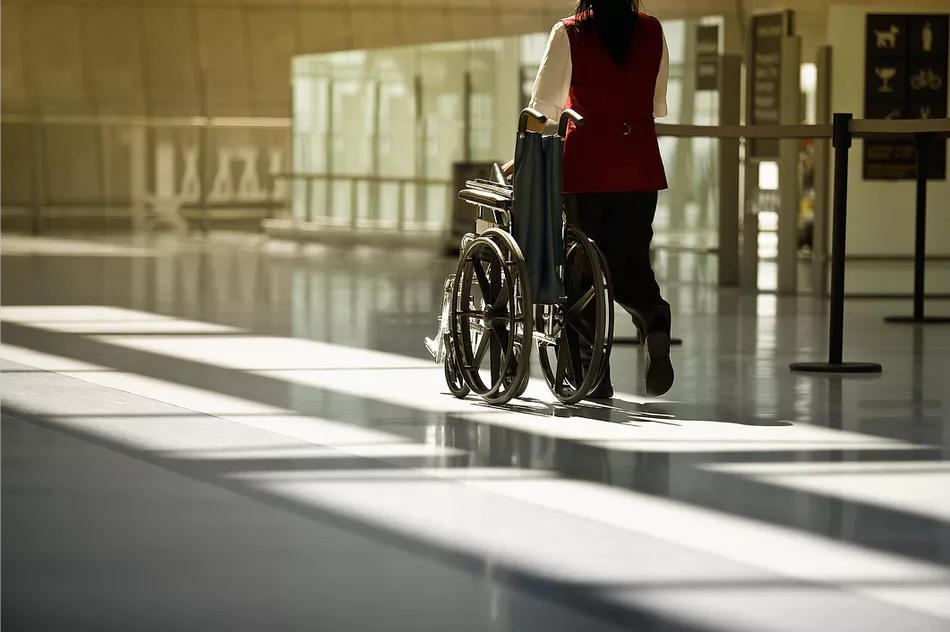How to Choose a Suitable Lightweight Wheelchair for Your Loved One?